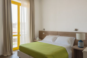 studio bed with balcony