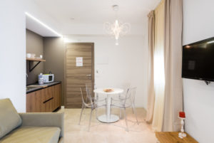 Deluxe two-room kitchen with jacuzzi
